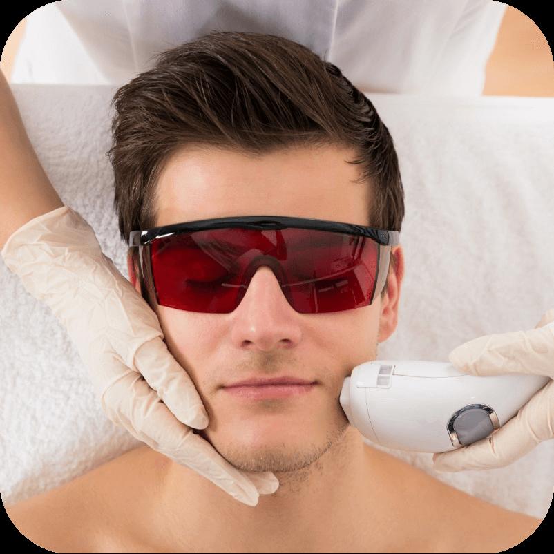 Процедура по удалению волос на теле у мужчин